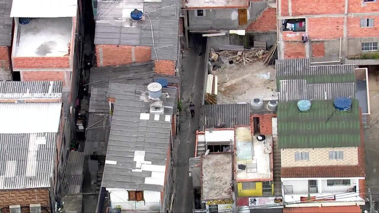 Viela para onde pessoas correram em Paraisópolis ainda tem marcas do incidente