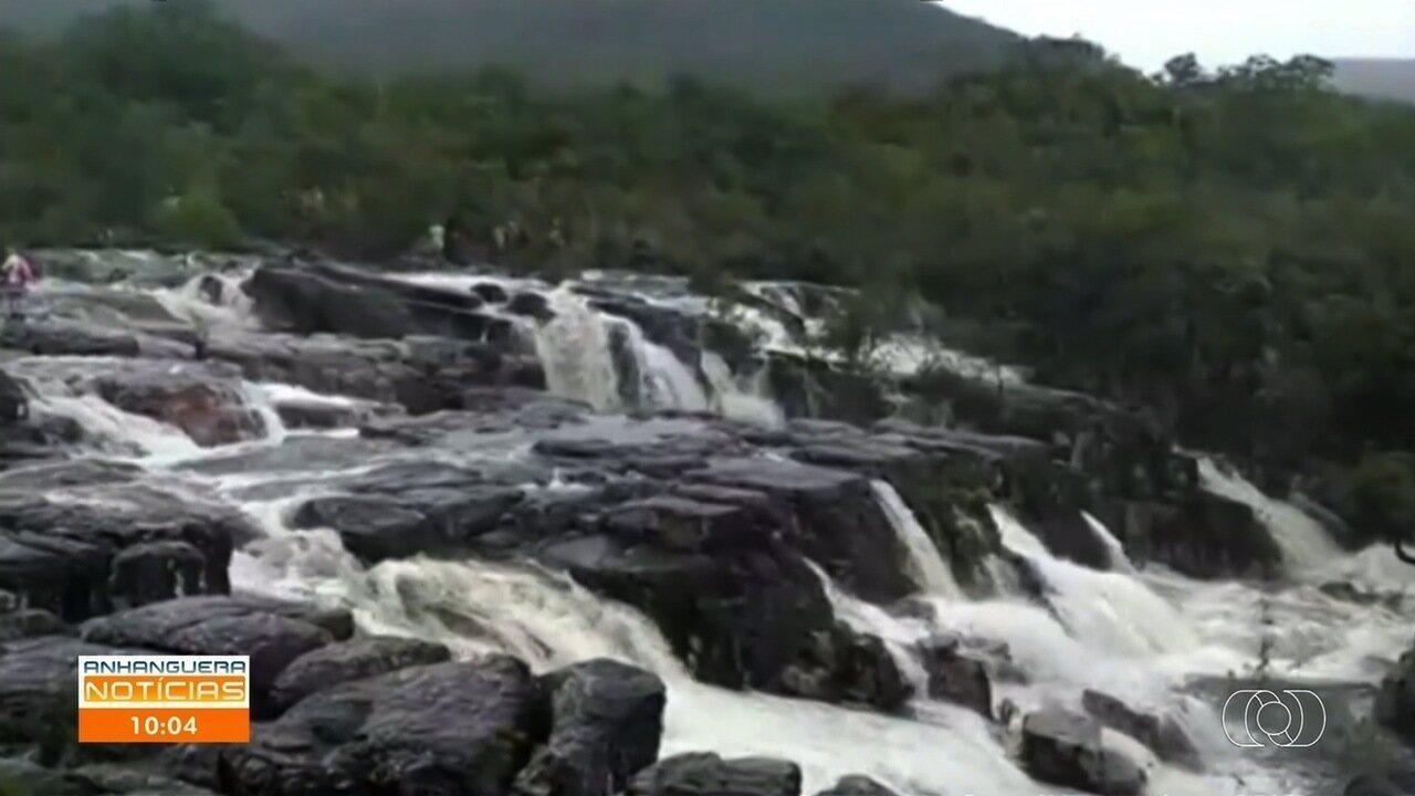 Jovem desaparece após ser levado por tromba d´água na Chapada dos Veadeiros, em Goiás