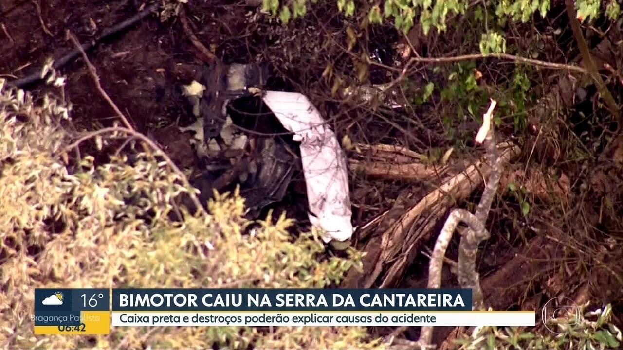 Bimotor cai na Serra da Cantareira