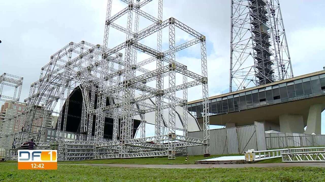 Torre de TV vai virar a maior árvore de natal do Brasil