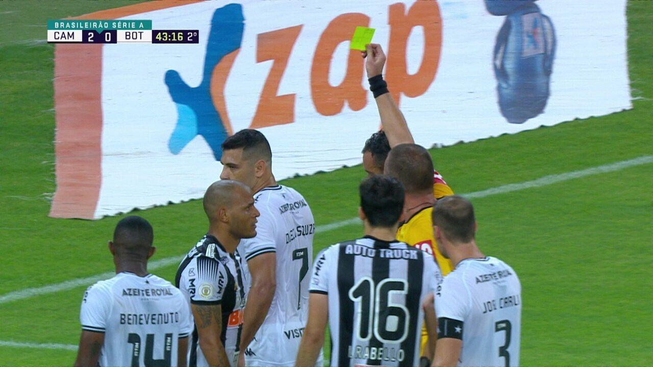 """Jogadores """"pendurados"""" do Botafogo recebe cartão amarelo"""