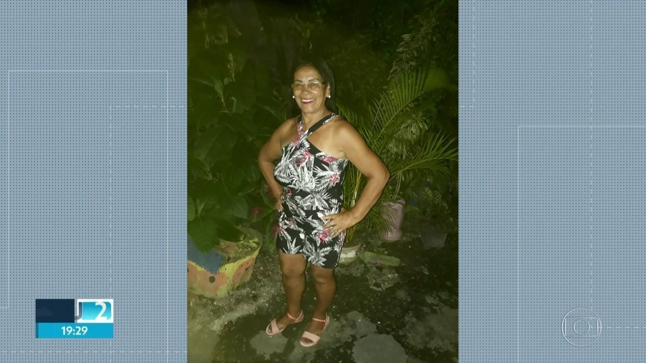 Mulher morre atingida por bala perdida quando buscava neto na escola em São Gonçalo