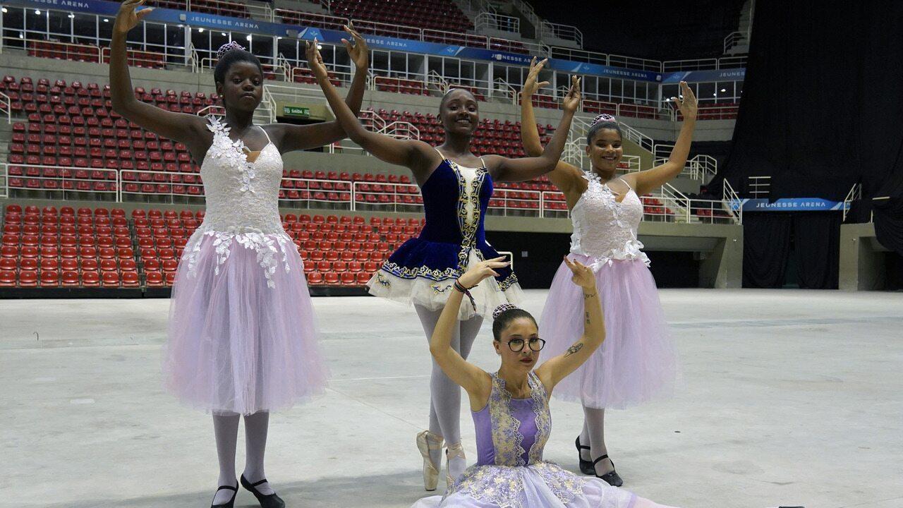 Bailarinas do Complexo do Alemão contam como foi participar de show de Shawn Mendes
