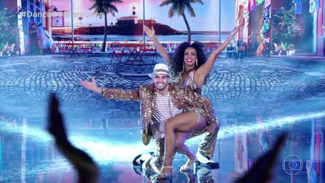 Dandara Mariana dança samba