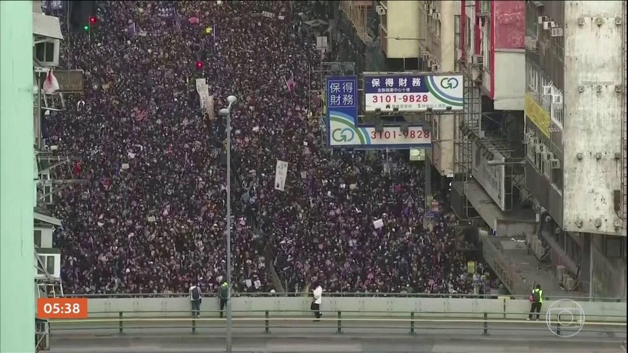 Cerca de 800 mil pessoas participam de manifestação pró-democracia em Hong Kong