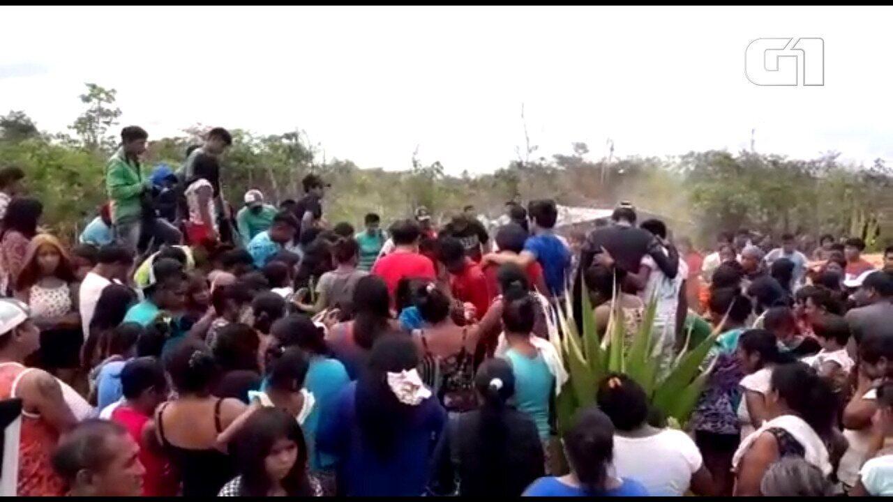 Corpo do cacique Firmino Guajajara é sepultado no Maranhão