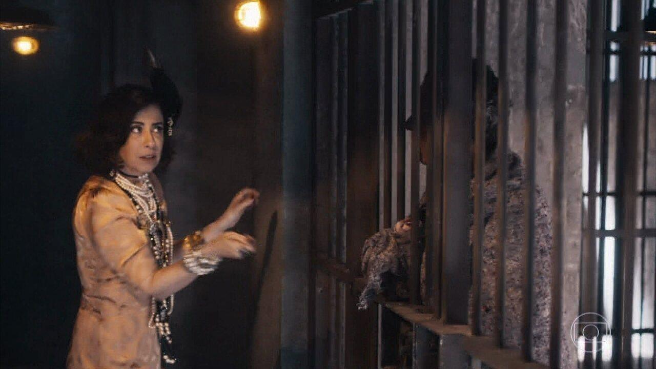 Maria Teresa troca dinheiro de corrupção por joias