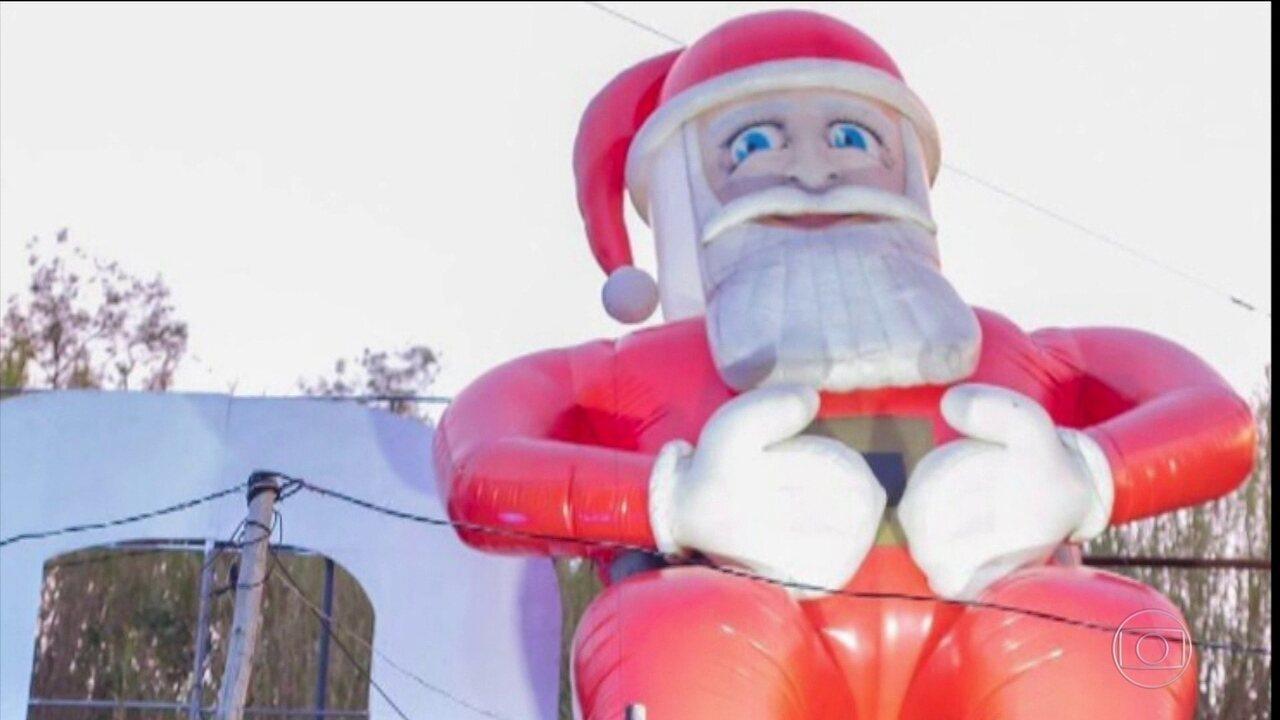 'Papai Noel gigante' é roubado da entrada de Belo Horizonte