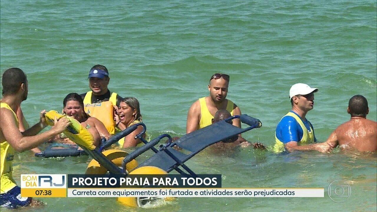 Resultado de imagem para Bandidos furtam carreta do projeto 'Praia para Todos'