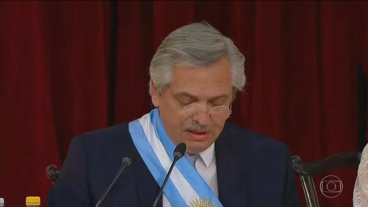 Novo presidente da Argentina anuncia aumento de impostos sobre exportações de grãos
