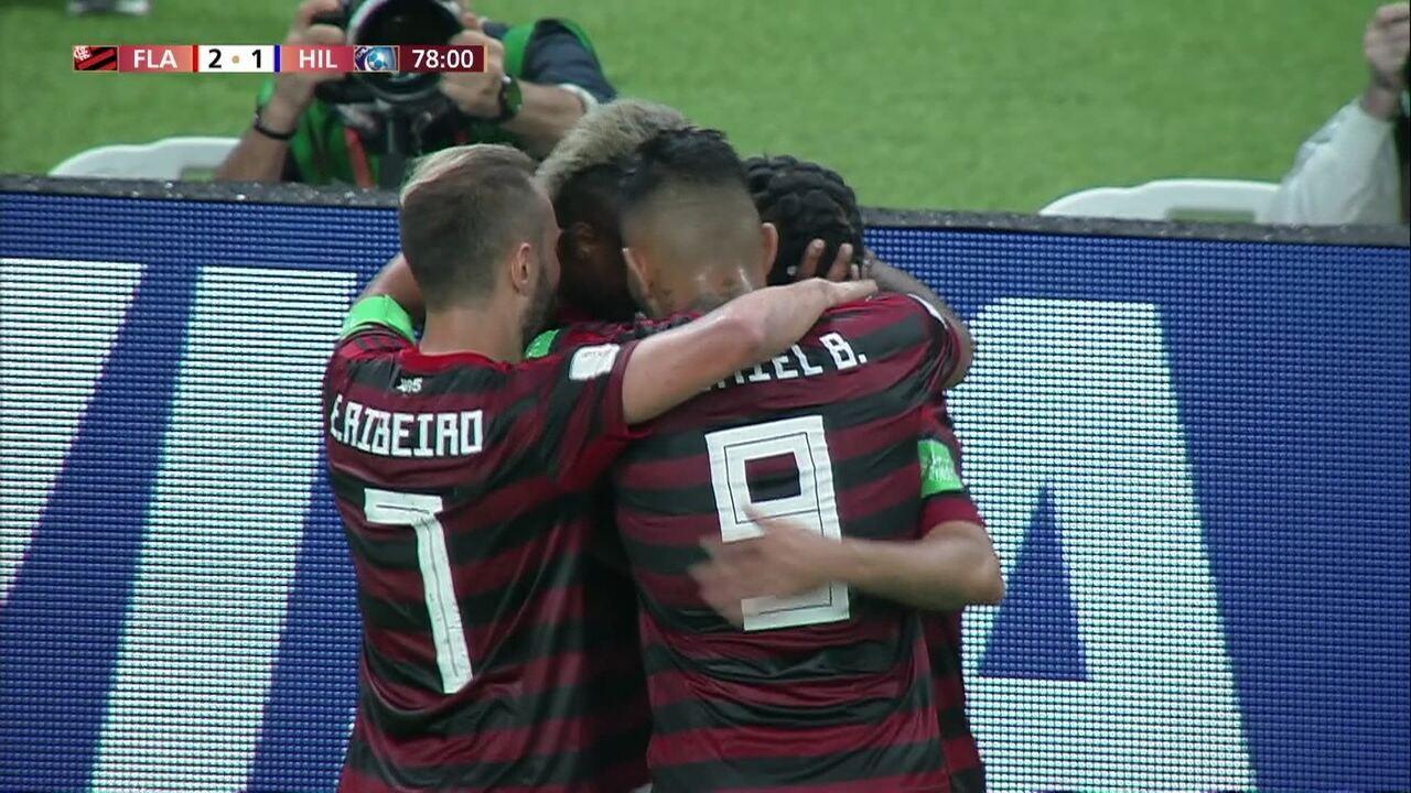 Gol do Flamengo! Bruno Henrique amplia de cabeça, aos 32' do 2º tempo