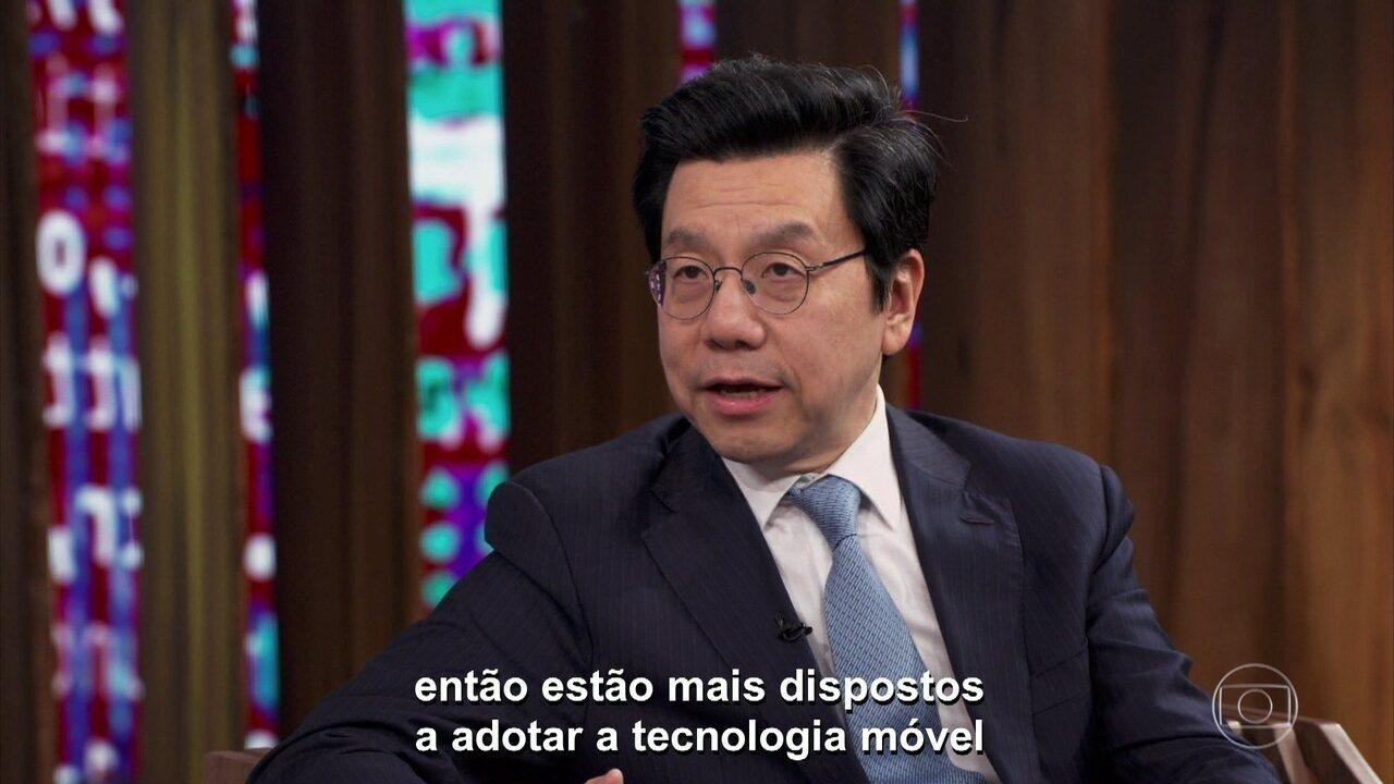 Lee fala sobre vício em trabalho e faz uma comparação entre China e o Vale do Silício