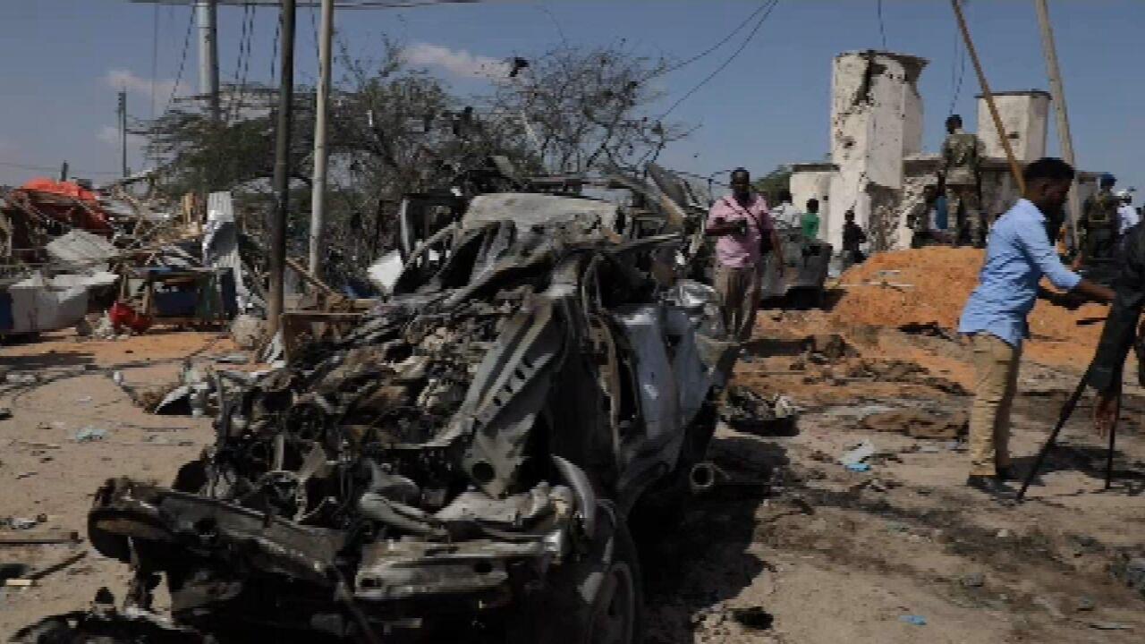 Sobe para 90 o número de mortos em atentado a carro-bomba na Somália