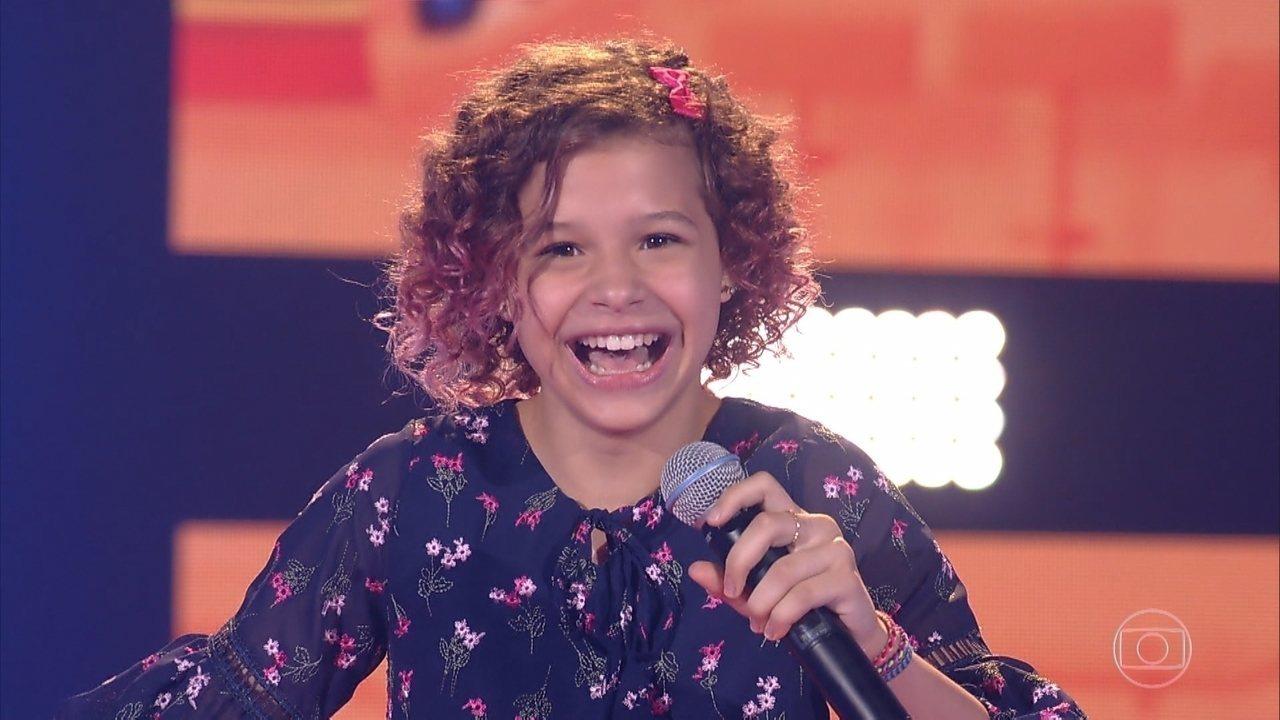 "Analu Sampaio canta ""Madalena"""
