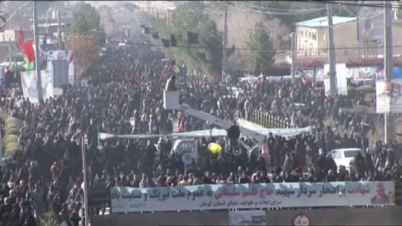 Dezenas de pessoas morrem durante o funeral do general Qassem Soleimani no Irã