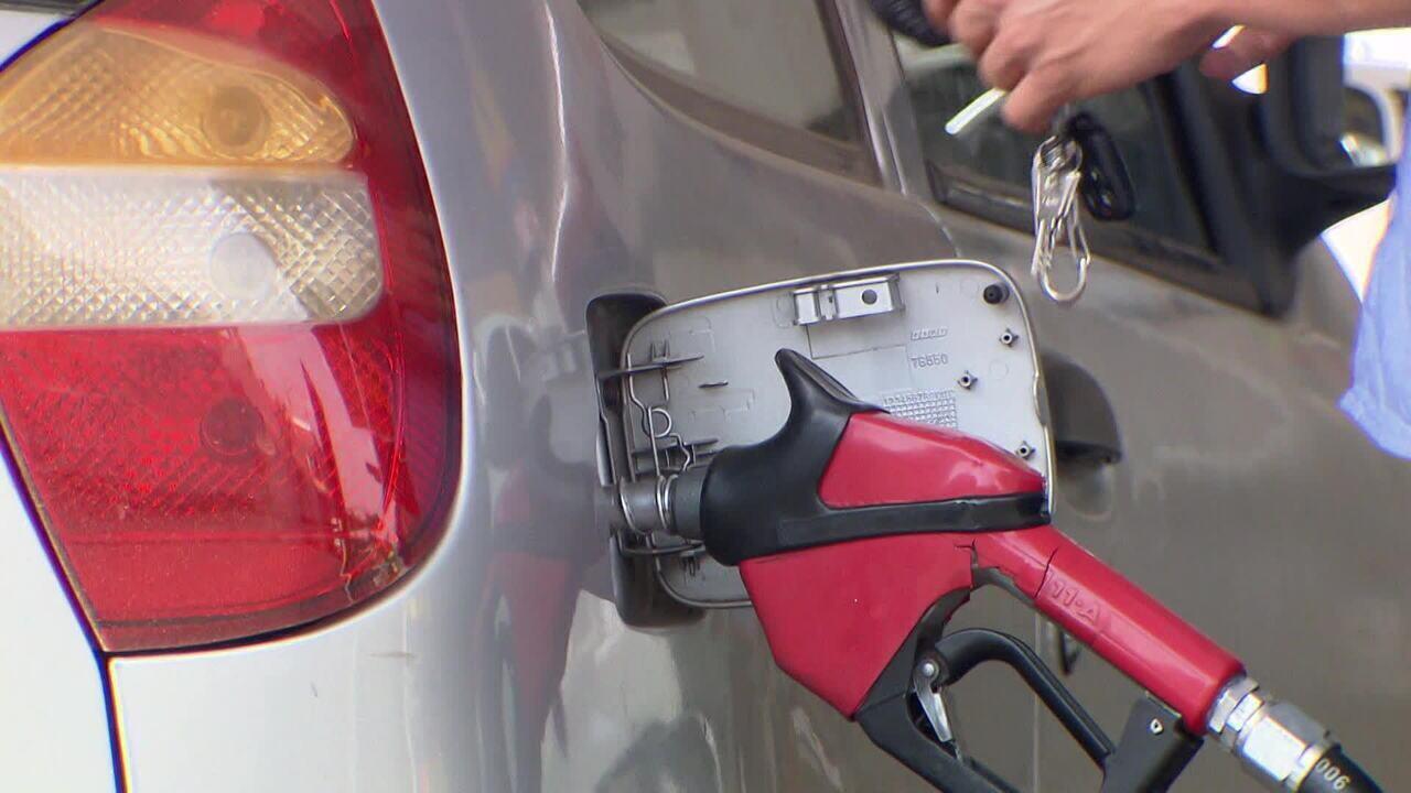 Mudanças no ICMS são discutidas para novo cálculo do preço da gasolina