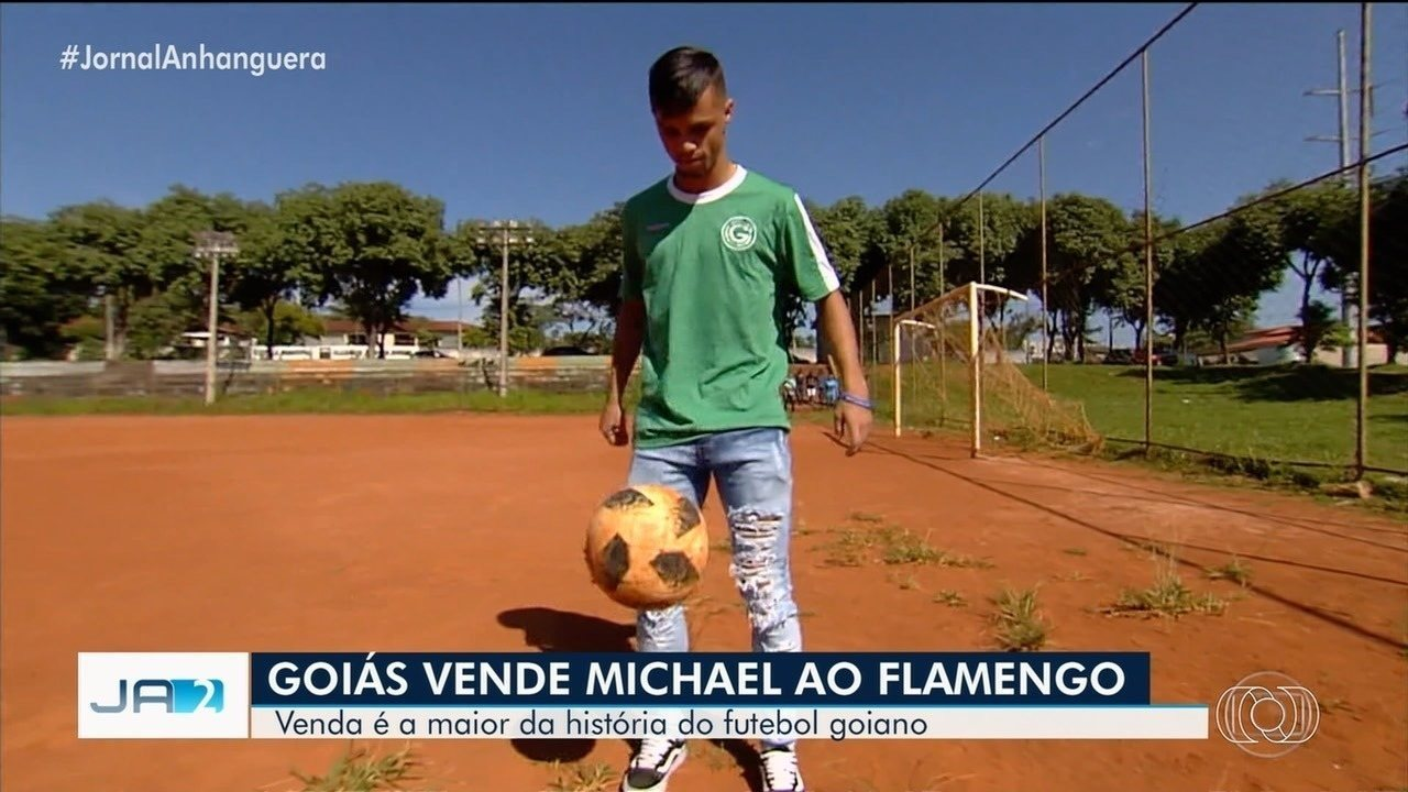 Michael é vendido ao Flamengo e se despede do Goiás; assista