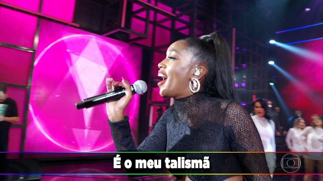 """IZA canta """"Meu Talismã"""""""