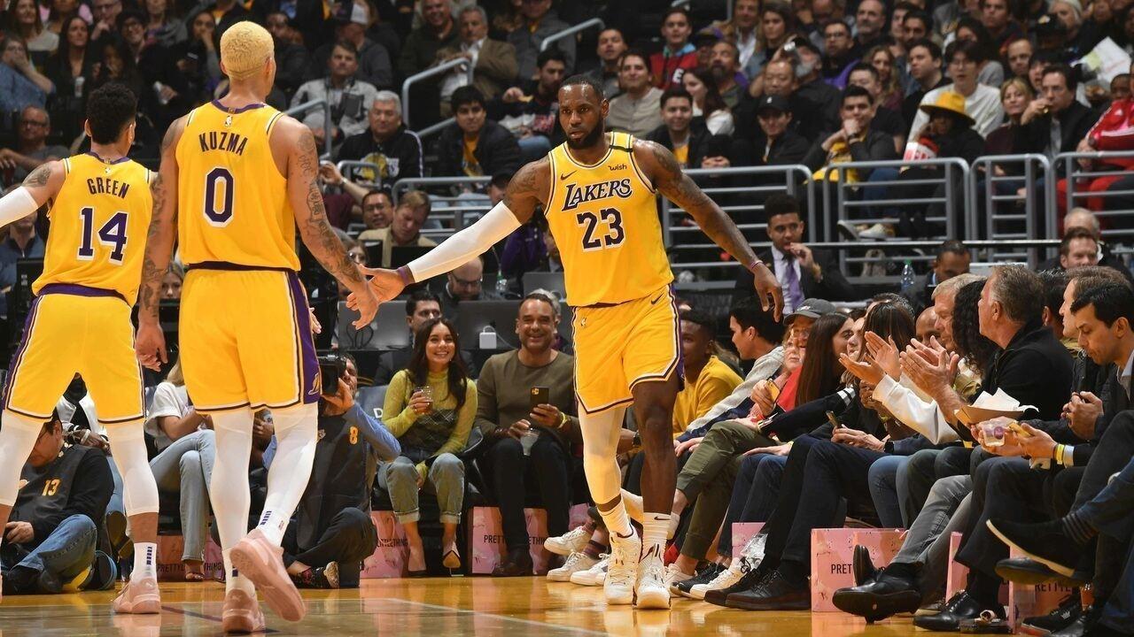 Melhores momentos de Los Angeles Lakers 128 x 99 Cleveland Cavaliers pela NBA