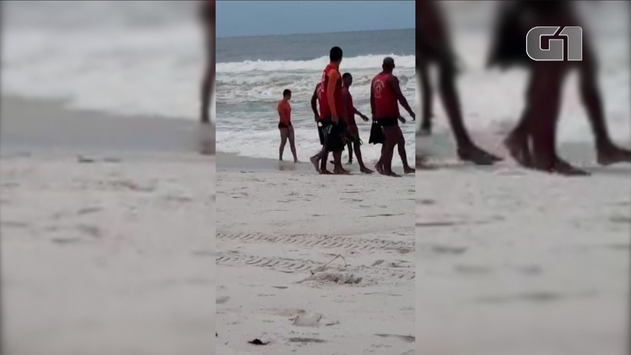 Bombeiros buscam por homem desaparecido em praia de Arraial do Cabo