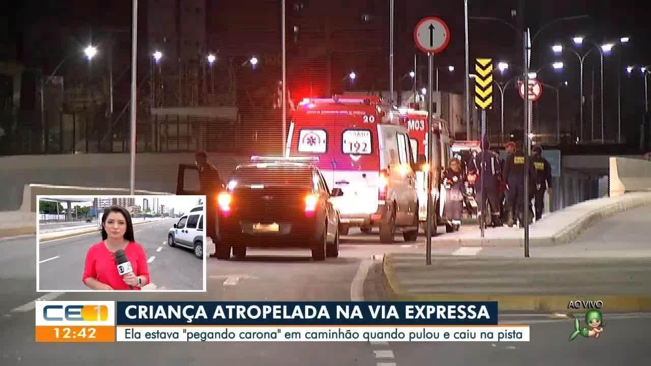 Criança cai de caminhão e é atropelada em Fortaleza