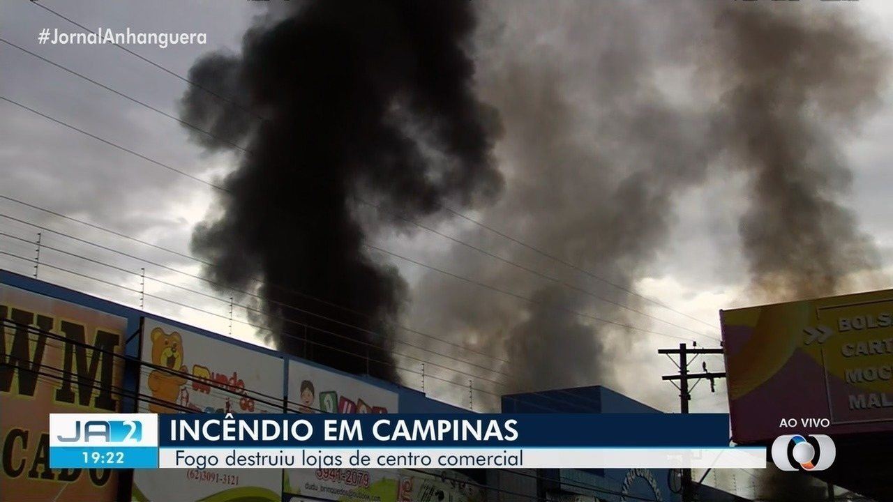 Incêndio atinge galeria de lojas próxima no Setor Campinas, em Goiânia