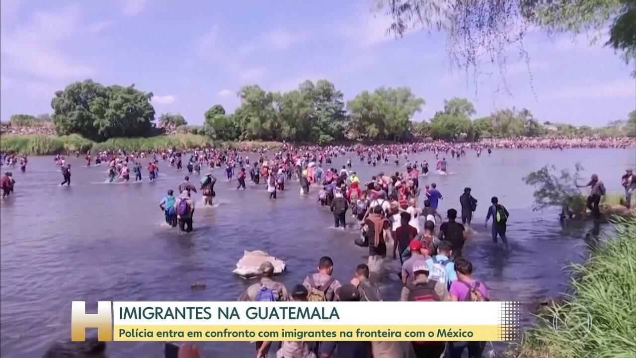 Polícia entra em confronto com imigrantes na fronteira da Guatemala e do México