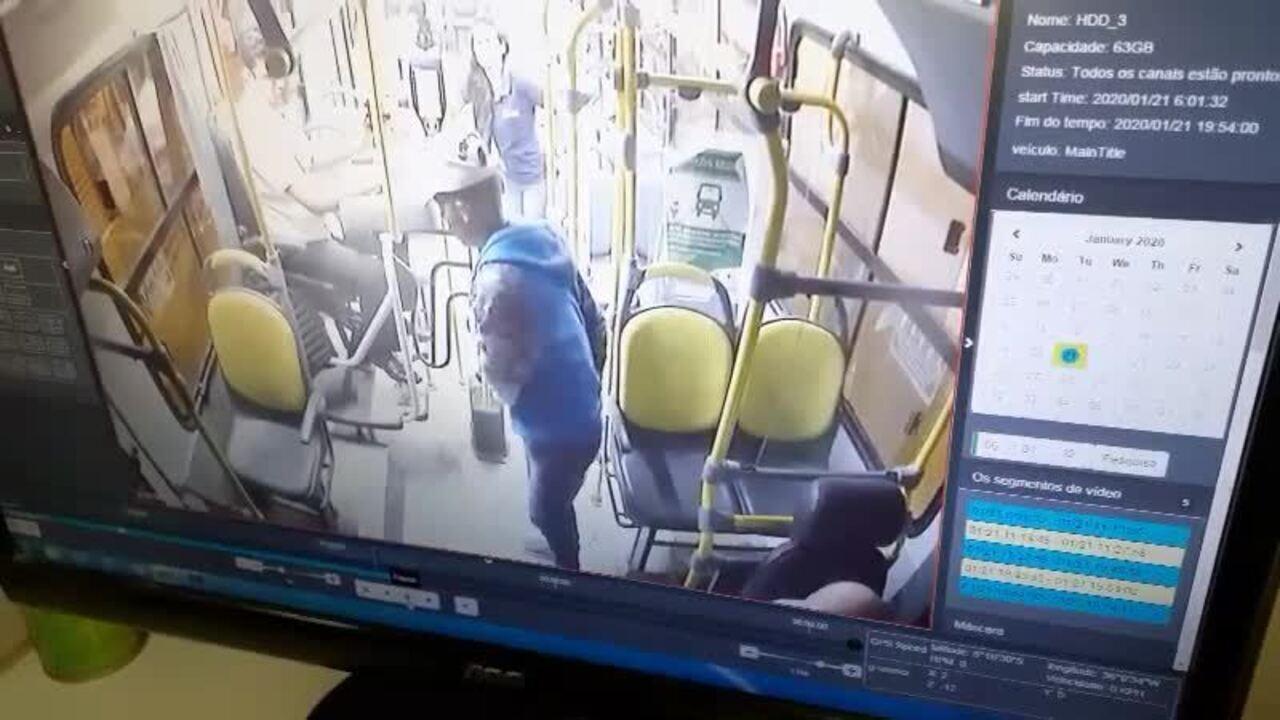 Motorista é baleado durante assalto a ônibus em Caruaru