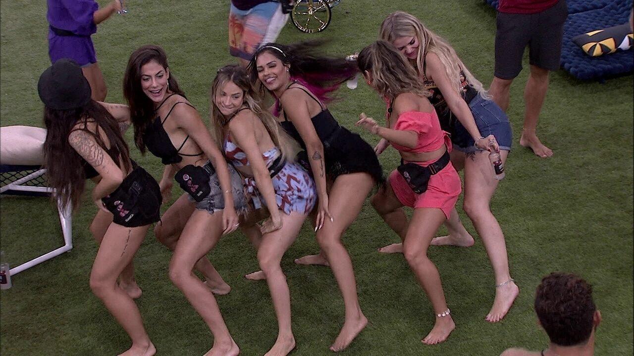 Sisters dançam no jardim da casa: 'É o paredão!'