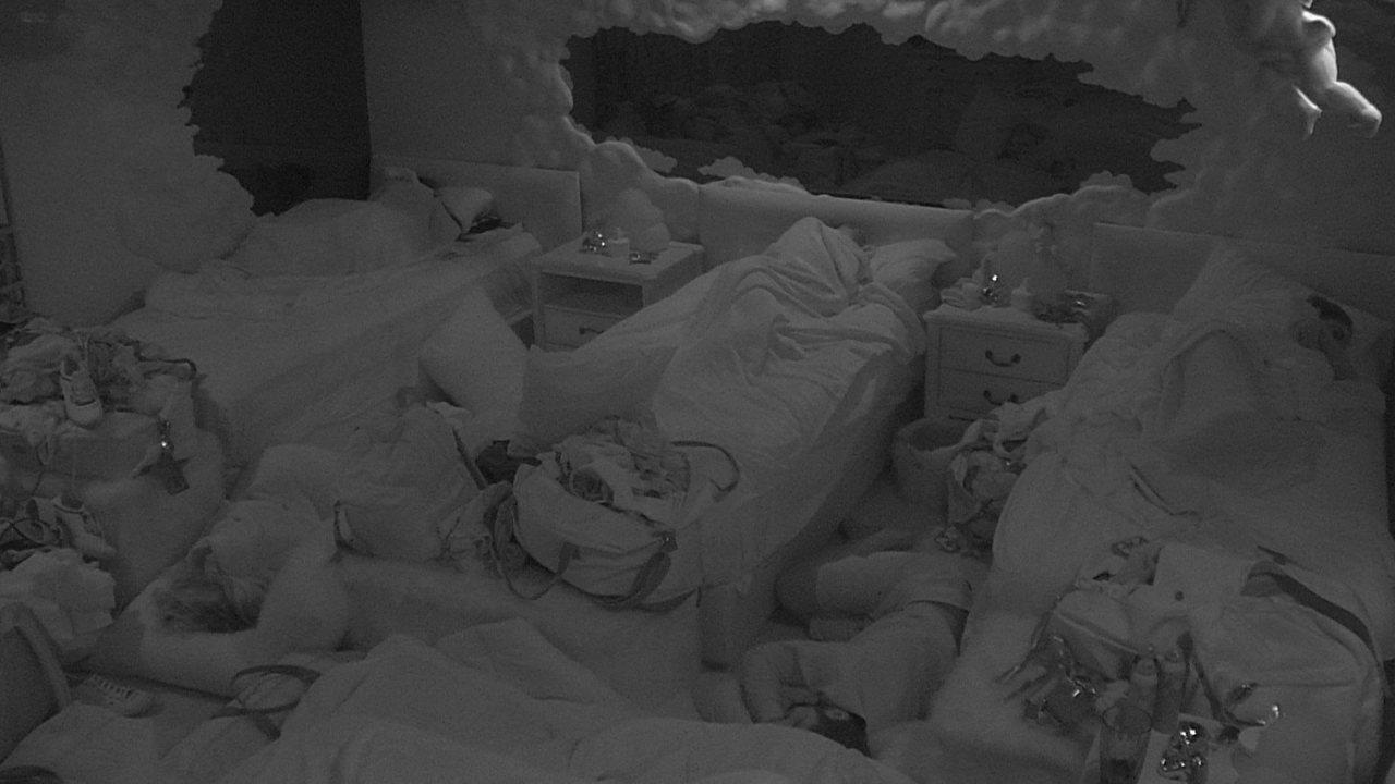 Todos dormem após primeira noite de Pipoca e Camarote no mesmo ambiente