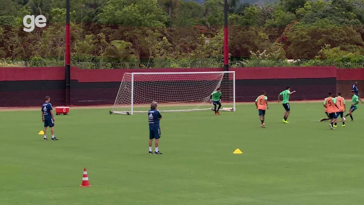 Pedro se destaca em treino do Flamengo; veja alguns lances
