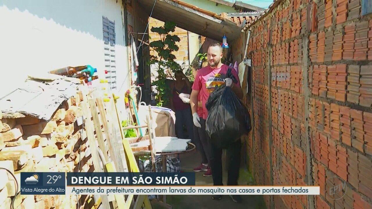 Mutirão de combate à dengue recolhe lixo e entulho em São Simão, SP