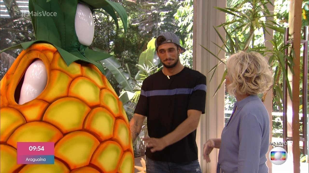 Lucas Chumbo conta que ficou traumatizado com monstro do abacaxi