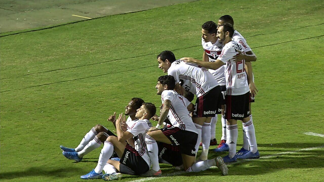 Milton Leite comenta comemoração do Arboleda após gol e lembra polêmica da camisa do Palmeiras