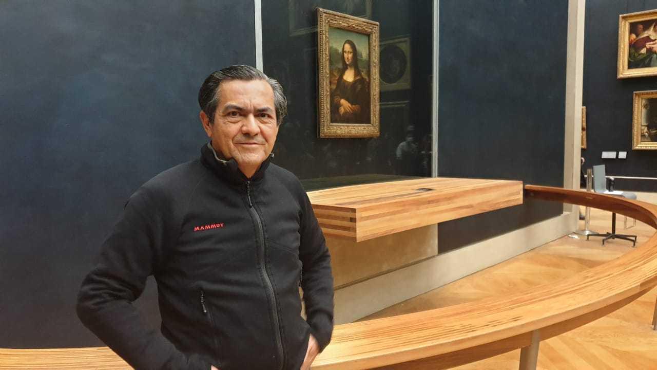 Museu do Louvre permite que maranhense 'fure fila' para fotografar Mona Lisa de perto