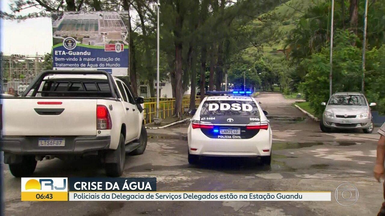 Polícia chega à Estação do Guandu para investigar presença de detergente na água