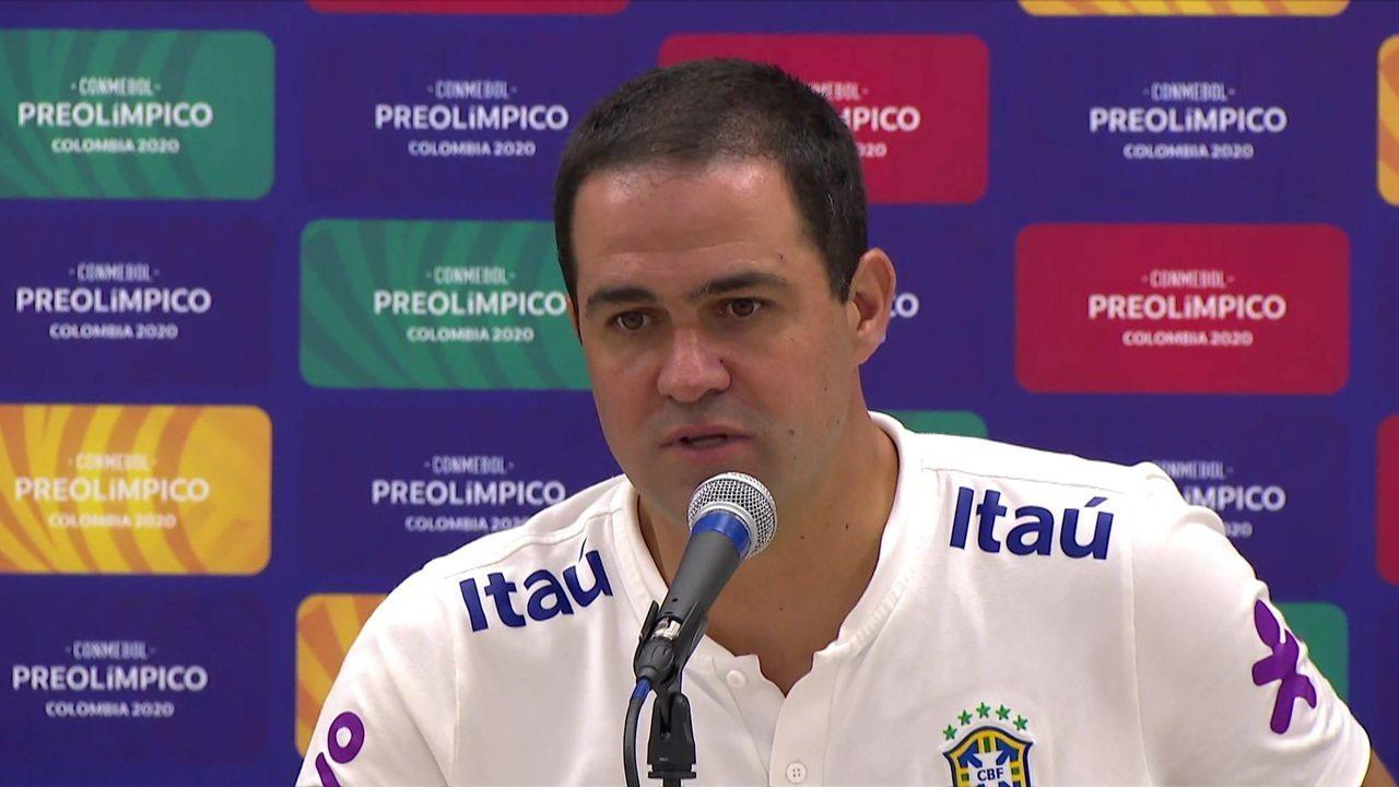 """André Jardine fala após classificação do Brasil para os Jogos Olímpicos de Tóquio: """"A pressão existe sempre e encaramos de forma positiva"""""""