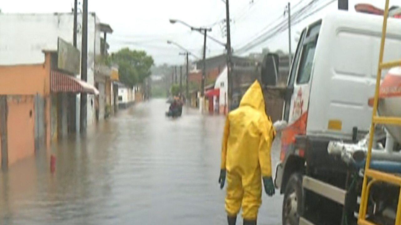 Itaquaquecetuba registra alagamentos em vários bairros nesta segunda