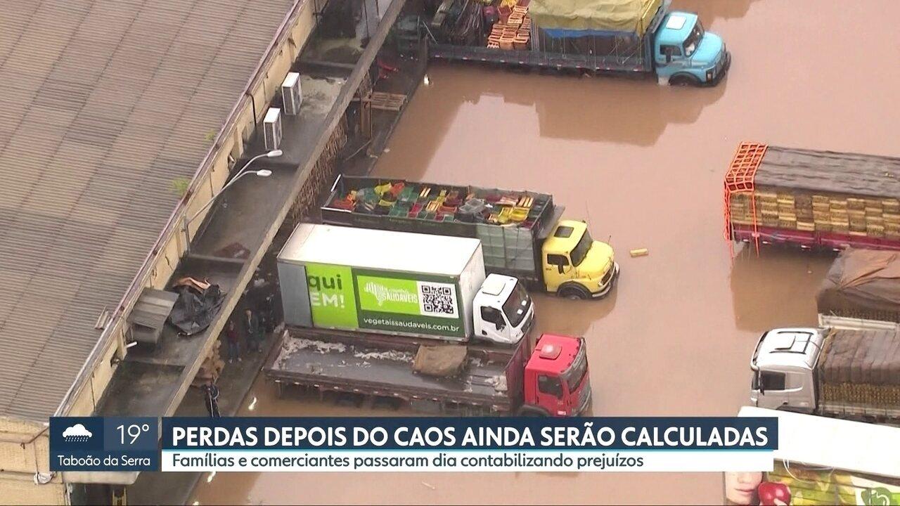 Ceagesp perdeu toneladas de alimentos na enchente desta segunda (10)