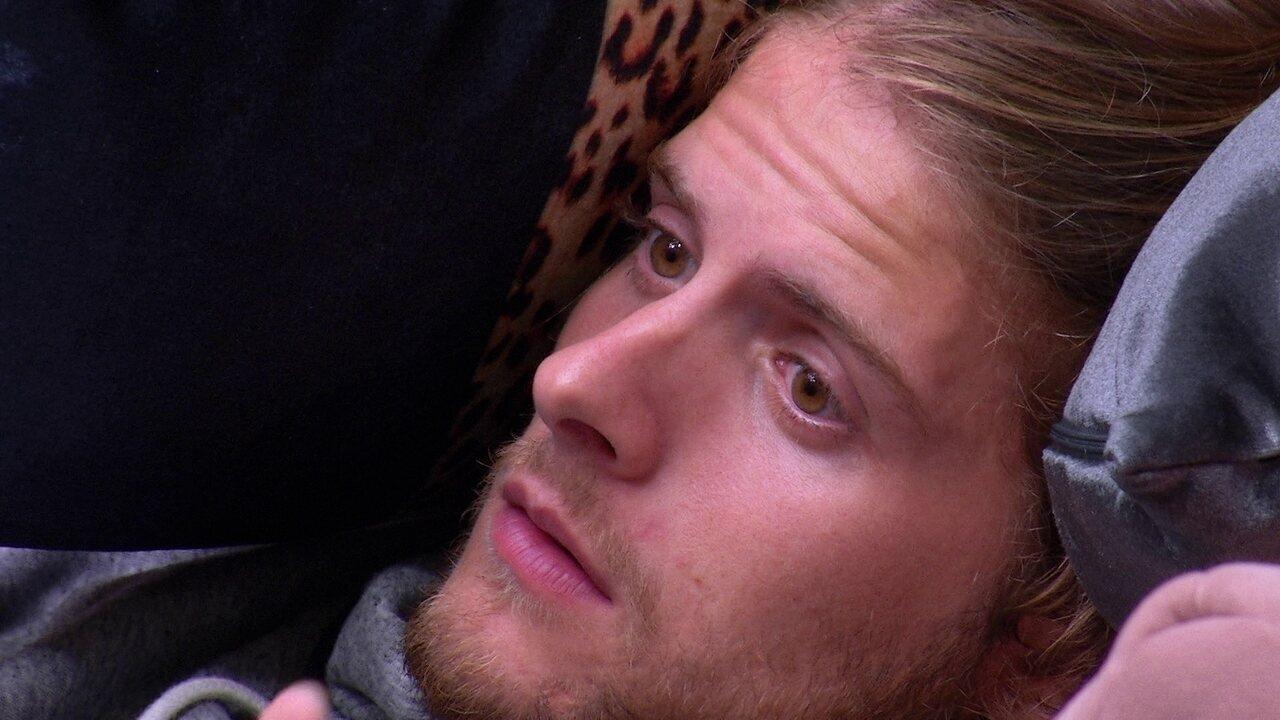 Daniel fala para Marcela: 'Não quero ficar longe de ti'