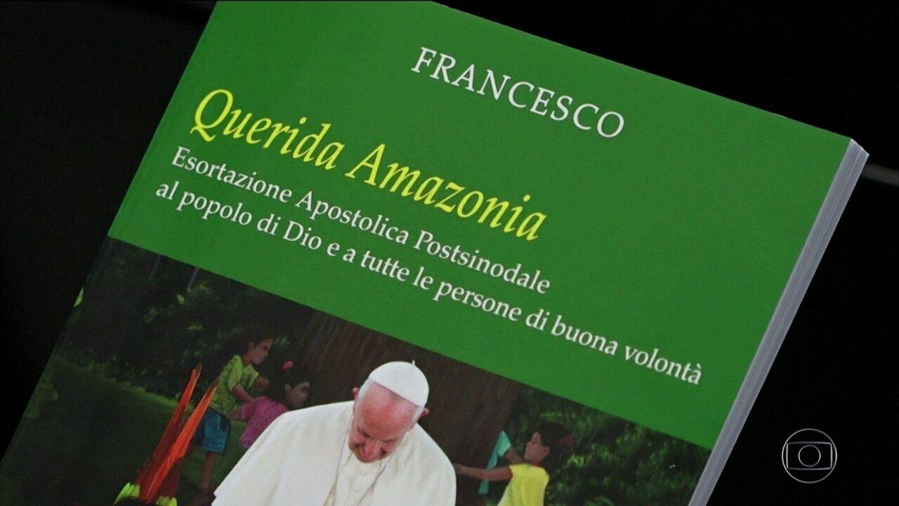 Papa descarta ordenação de homens casados para a Amazônia.