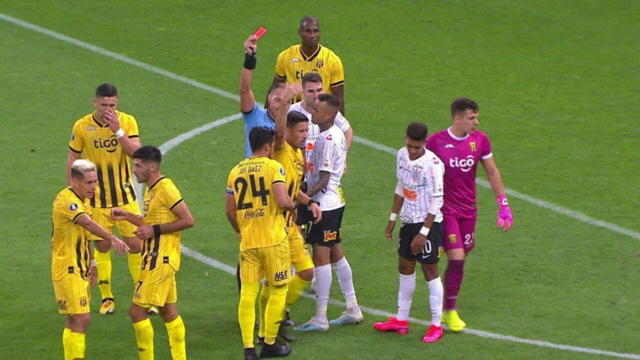 Central do apito: Salvio fala da falta de critério e de uma possível lesão do árbitro Nestor Pitana