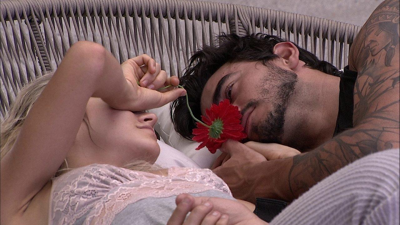 Guilherme se derrete por Gabi: 'Você é muito mais do que eu esperava'