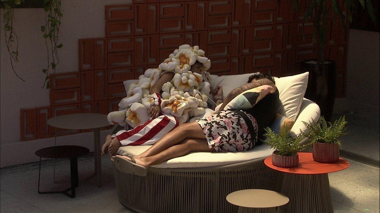 Flayslane e Guilherme conversam sobre amizade de modelo com Bianca