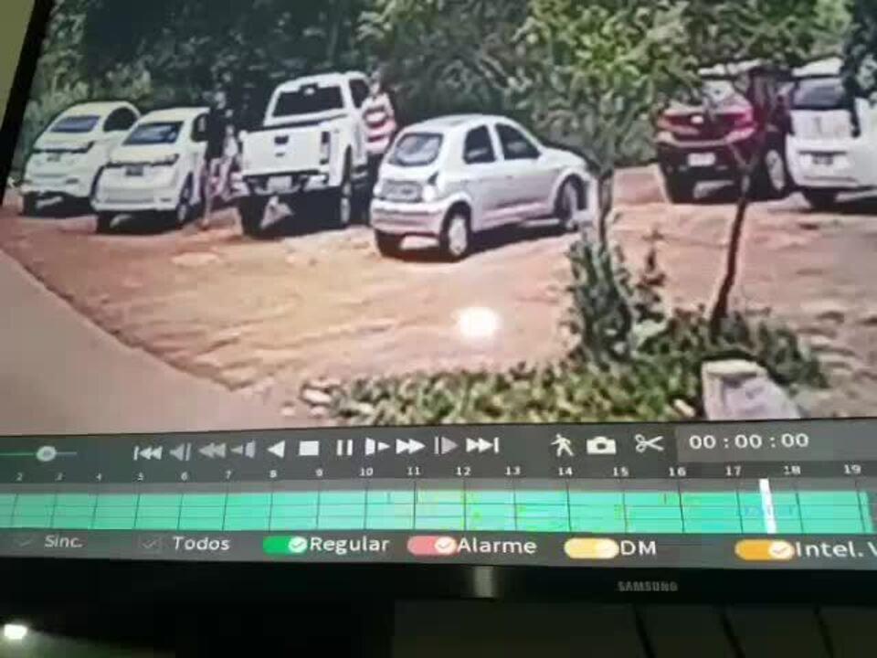 Carros são arrombados e objetos furtados no mirante