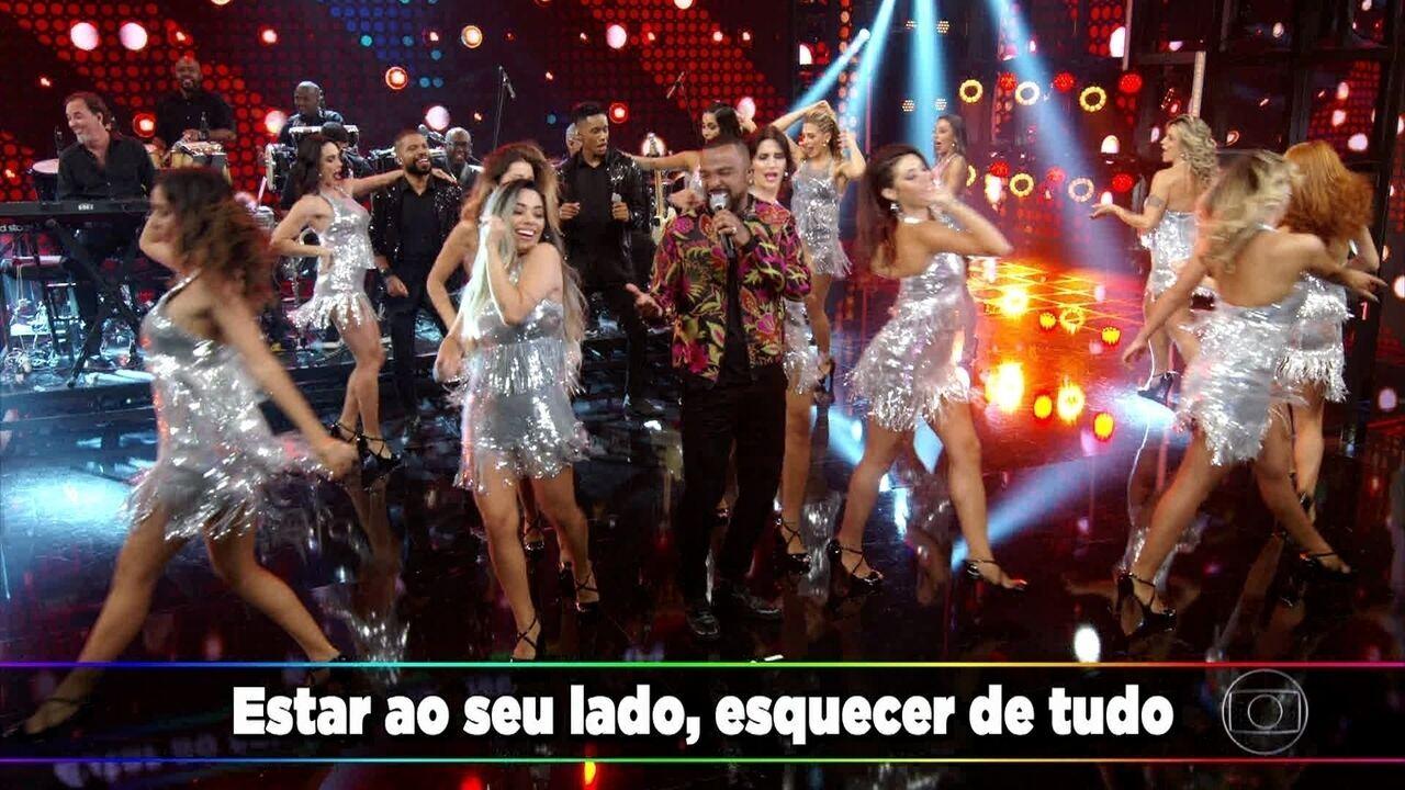 Alexandre Pires canta 'Domingo'