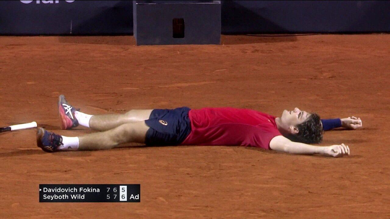 Thiago Wild supera catimba de espanhol e vence jogo mais longo da história do Rio Open
