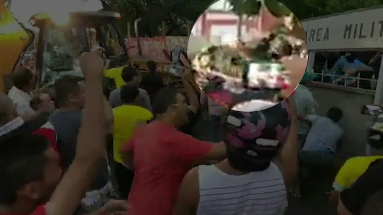 Imagens mostram três pessoas atirando contra Cid Gomes