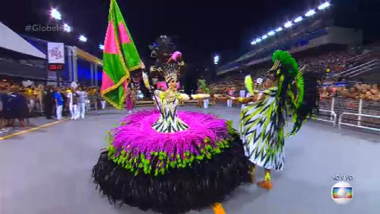 Igor Sena e Lenita são o primeiro casal de Mestre-Sala e Porta-Bandeira da Barroca Zona Sul