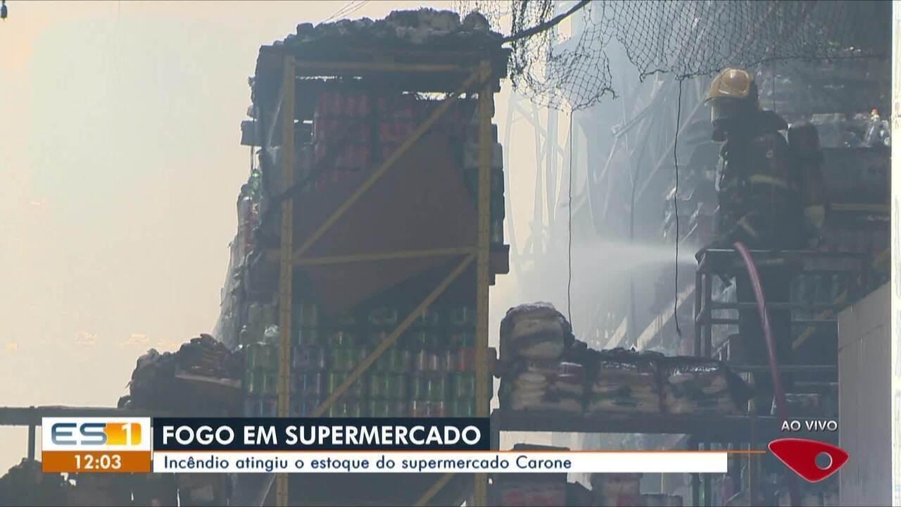 Incêndio atinge depósito de supermercado em Jardim da Penha, em Vitória